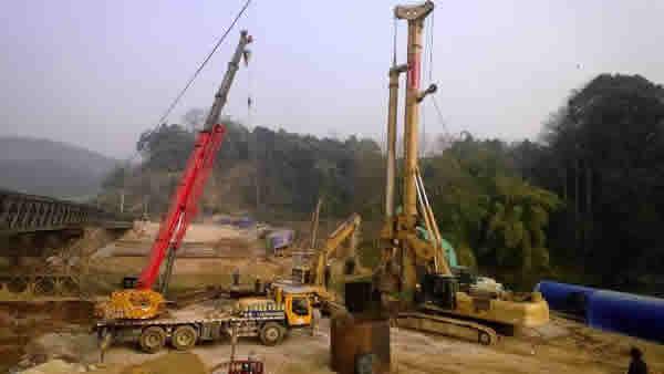 松铜高速水上施工